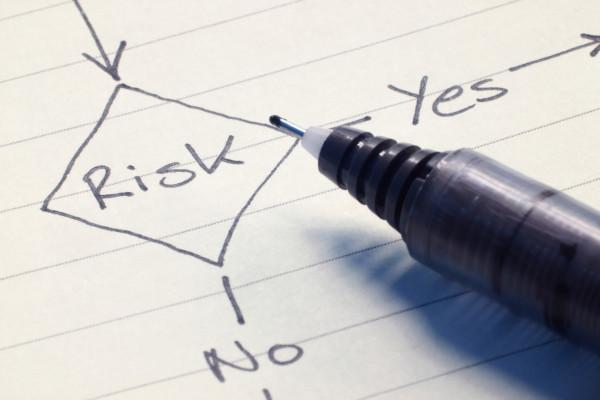 Риски должны анализироваться и нивелироваться на каждом этапе деятельности компании