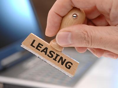 На вещь, оформленную в собственность по лизингу, могут налагаться взыскания по обязательствам фирмы