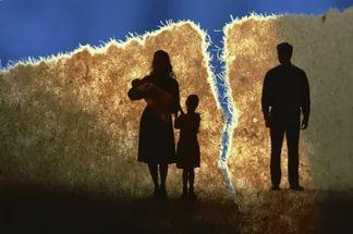 Развод – веская причина для переоформления ипотеки на одного из супругов.